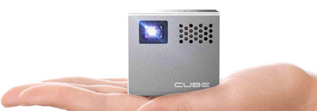 Rif6 Cube Tests avis du mini vidéo projecteur de 136 grammes