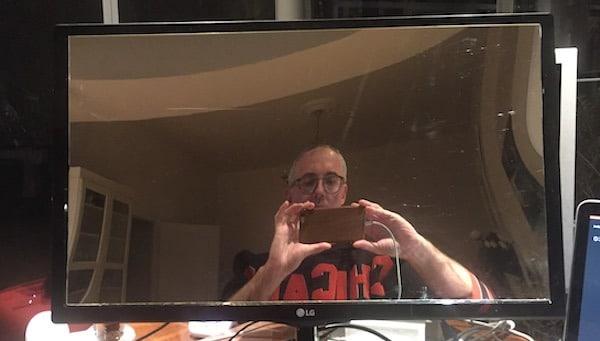 Plexiglas sans tain miroir sur écran LCD éteint