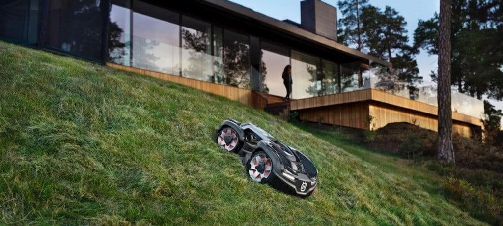 Husqvarna Automower 435X AWD robot tondeuse pilotable à la voix forte pente
